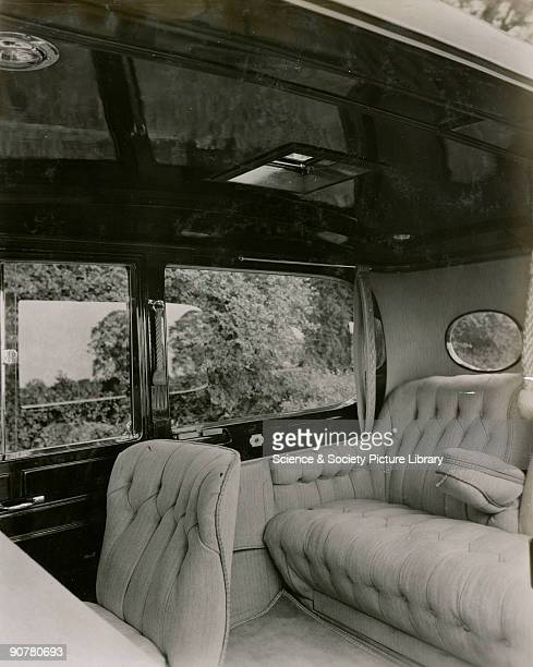 Short chassis saloon car Interior showing upholstery of 261