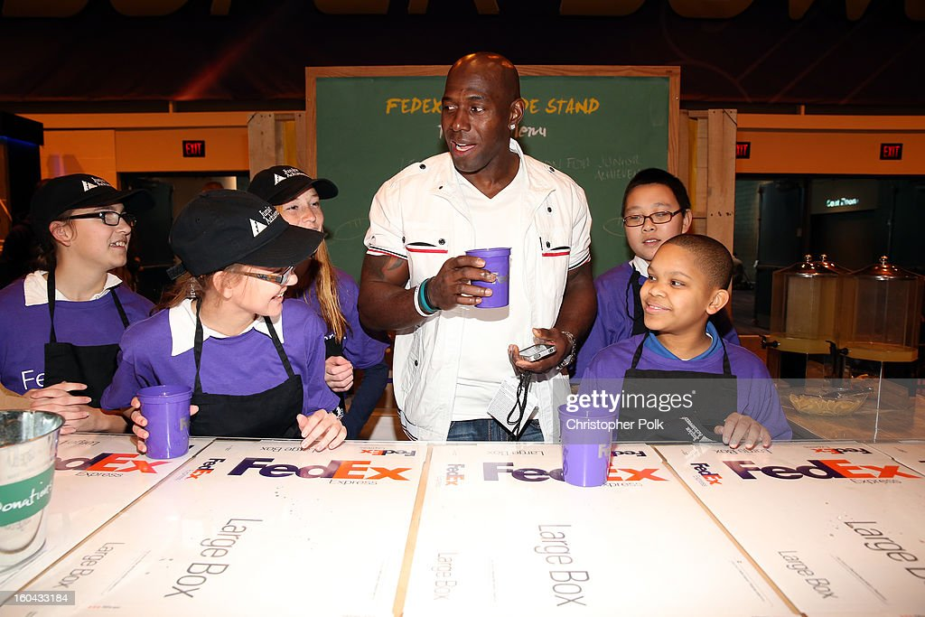Shortly after Green Bay Packers wide receiver Donald Driver announced his retirement from the NFL, he found a new position - helping Junior Achievement students run their first business at the FedEx lemonade stand. The event, held at the Super Bowl XLVII Media Center, celebrated the 10th season of the FedEx Air & Ground NFL Players of the Year program.