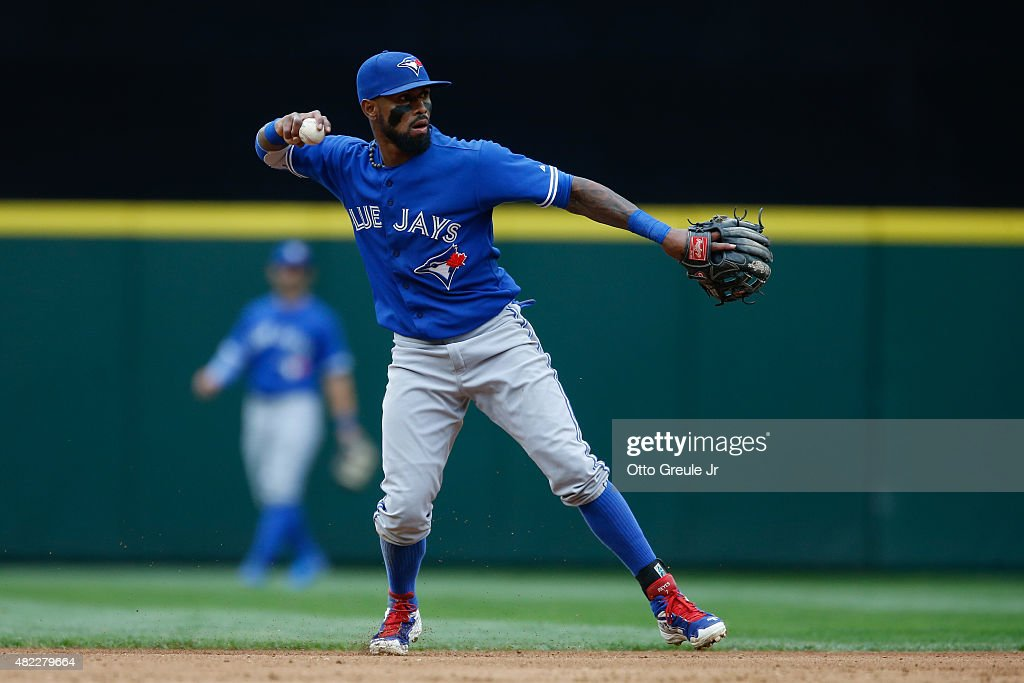 Shortstop <a gi-track='captionPersonalityLinkClicked' href=/galleries/search?phrase=Jose+Reyes+-+Baseball+Player&family=editorial&specificpeople=203307 ng-click='$event.stopPropagation()'>Jose Reyes</a> #7 of the Toronto Blue Jays throws to first base against the Seattle Mariners at Safeco Field on July 25, 2015 in Seattle, Washington.