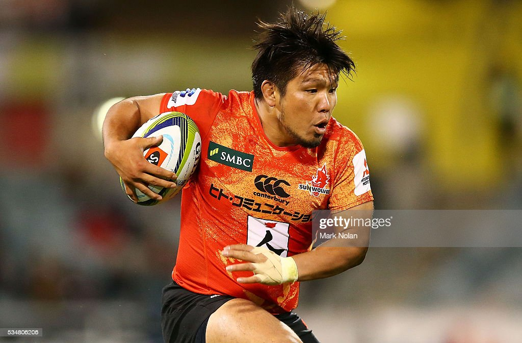 <a gi-track='captionPersonalityLinkClicked' href=/galleries/search?phrase=Shota+Horie&family=editorial&specificpeople=7034249 ng-click='$event.stopPropagation()'>Shota Horie</a> of the Sunwolves runs the ball during the round 14 Super Rugby match between the Brumbies and the Sunwolves at GIO Stadium on May 28, 2016 in Canberra, Australia.