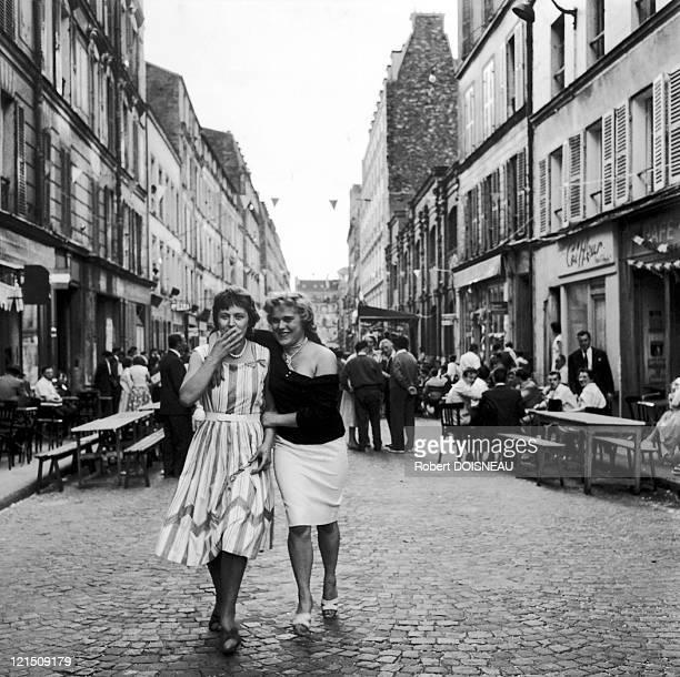 Shoulder On Rue De Nantes 1959