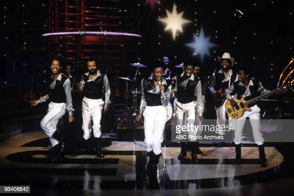 BANDSTAND Show Coverage 2/3/82 Kool and the Gang on the ABC Television Network dance show 'American Bandstand'