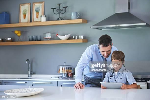 Mostrar Pai um truque ou dois digitais