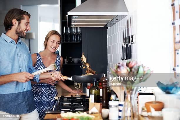 Zeigt seine Fähigkeiten in der Küche