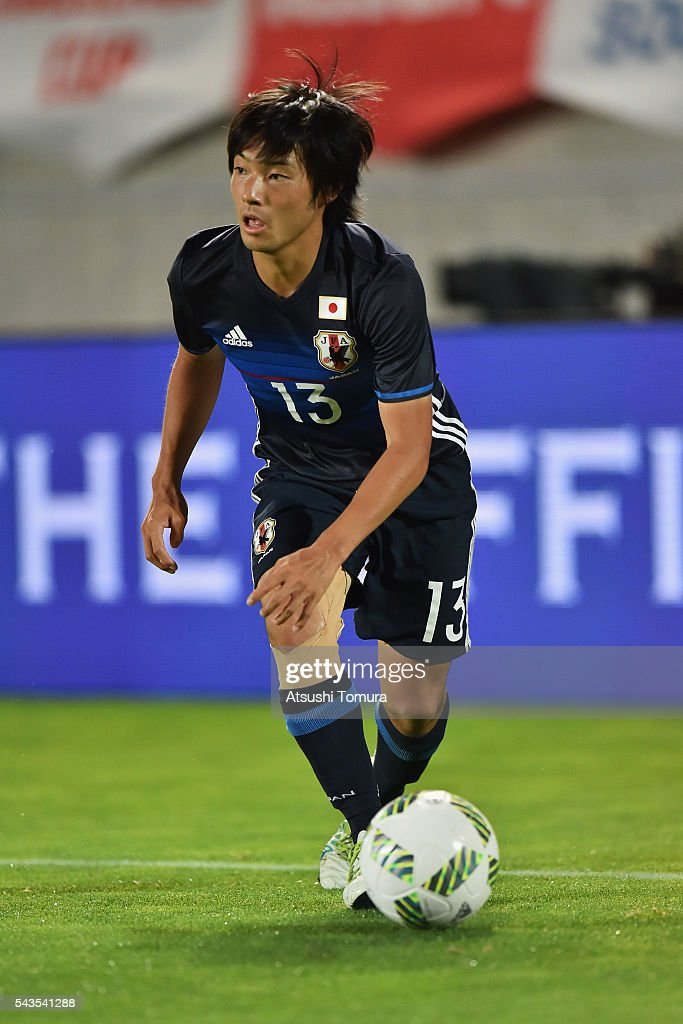 <a gi-track='captionPersonalityLinkClicked' href=/galleries/search?phrase=Shoya+Nakajima&family=editorial&specificpeople=7882598 ng-click='$event.stopPropagation()'>Shoya Nakajima</a> of Japan in action during the U-23 international friendly match between Japan and South Africa at the Matsumotodaira Football Stadium on June 29, 2016 in Matsumoto, Nagano, Japan.
