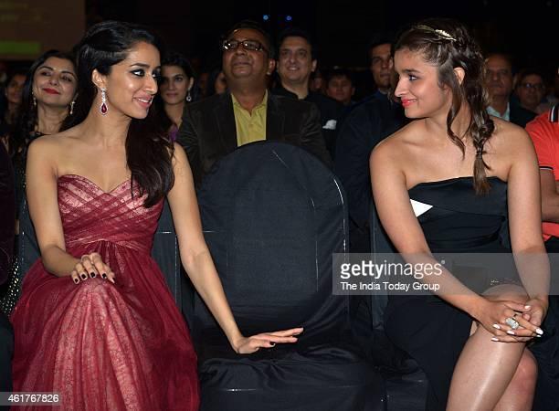 Shraddha Kapoor and Alia Bhatt in Life ok screen awards 2015