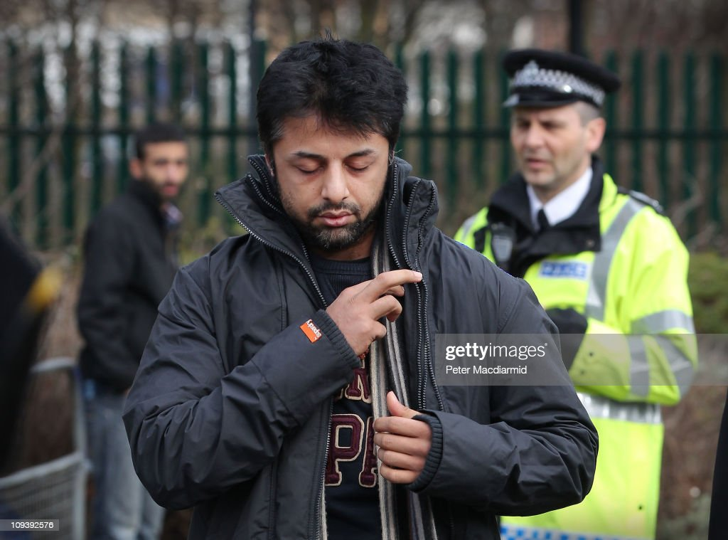 <a gi-track='captionPersonalityLinkClicked' href=/galleries/search?phrase=Shrien+Dewani&family=editorial&specificpeople=7343604 ng-click='$event.stopPropagation()'>Shrien Dewani</a> arrives at Belmarsh Magistrates Court on February 24, 2011 in London, England. Mr Dewani is fighting extradition to South Africa after authorities there want him to stand trial for allegedly hiring a hitman to kill his bride Anni on their honeymoon.
