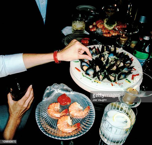 Shrimp cocktail and mussles