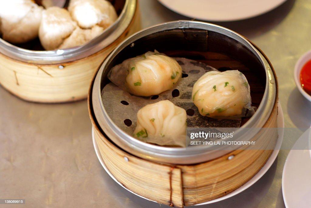 Shrimp dumplings : Stock Photo