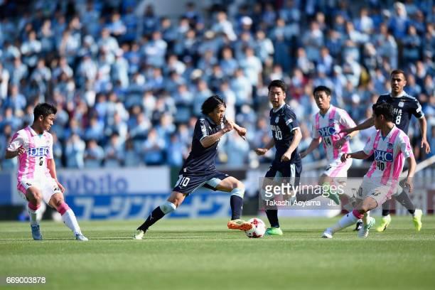 Shunsuke Nakamura of Jubilo Iwata in action during the JLeague J1 match between Jubilo Iwata and Sagan Tosu at Yamaha Stadium on April 16 2017 in...