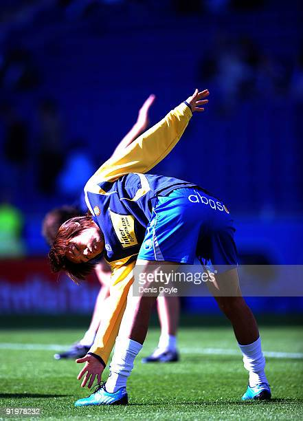 Shunsuke Nakamura of RCD Espanyol warms up before the start of the La Liga match between RCD Espanyol and Tenerife at Estadi Olimpic Lluis Companys...