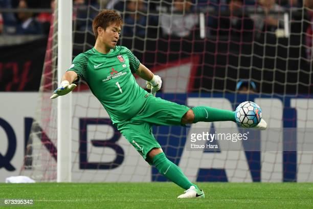 Shusaku Nishikawa of Urawa Red Diamonds in action during the AFC Champions League Group F match between Urawa Red Diamonds and Western Sydney at...