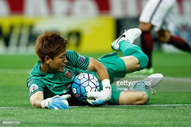 Shusaku Nishikawa of Urawa Reds Diamonds controls the ball during the AFC Champions League Round of 16 match between Urawa Red Diamonds and Jeju...