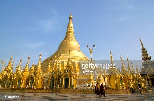 Shwedagon Paya in Yangon, Burma
