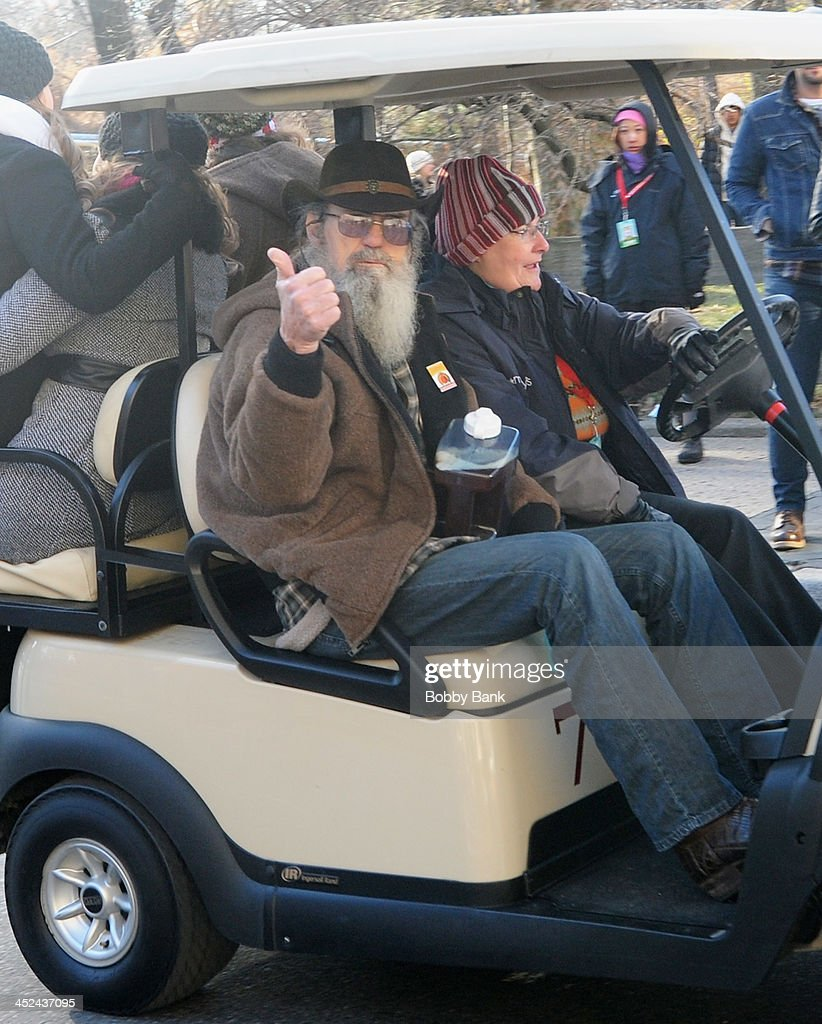 Si Robertson of Duck Dynasty attends the 87th annual Macy's Thanksgiving Day parade on November 28, 2013 in New York City.
