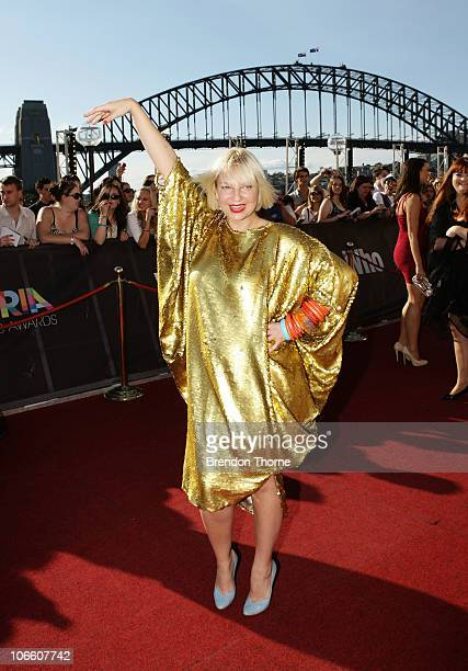 Sia Furler arrives on the red carpet at the 2010 ARIA Awards at the Sydney Opera House on November 7 2010 in Sydney Australia