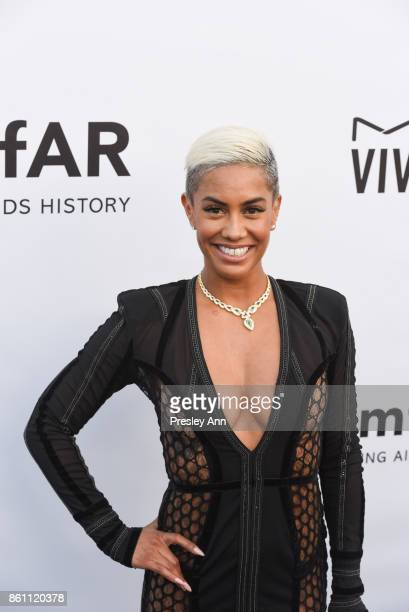 Sibley Scoles attends amfAR Los Angeles 2017 Arrivals at Ron Burkleâs Green Acres Estate on October 13 2017 in Beverly Hills Californi