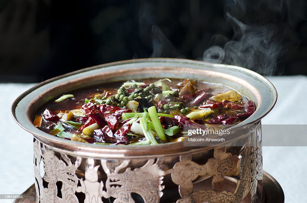 Sichuan style duck with beer in pot