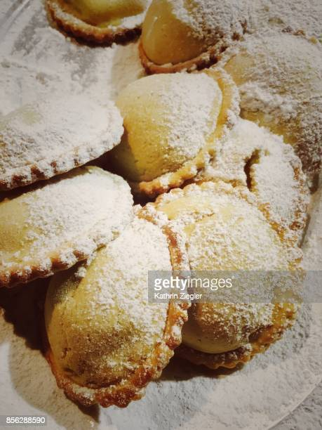 Sicilian sweets filled with ricotta