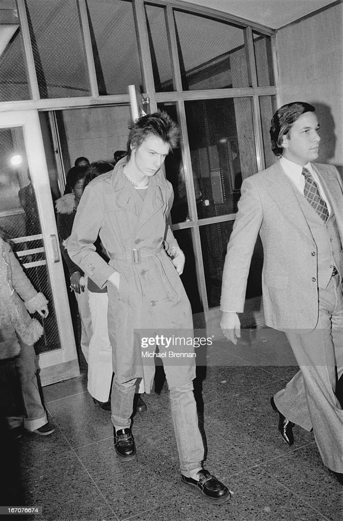 Sid Vicious (1957 – 1979) arriving at Manhattan Criminal Court for the trial of the murder of Nancy Spungen (1958 – 1978), 15th October 1978.