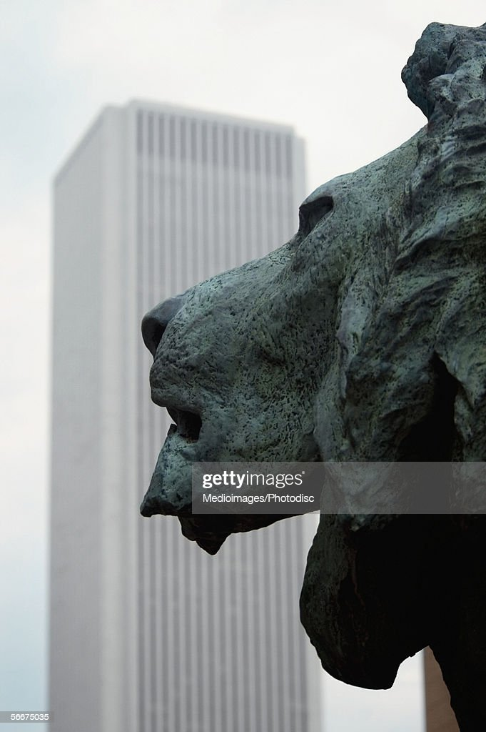 Side profile of a bronze lion, Art Institute of Chicago, Chicago, Illinois, USA