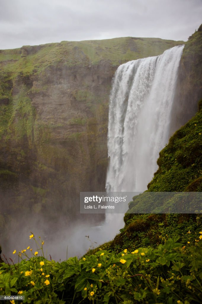 Side view of Skógafoss : Foto de stock