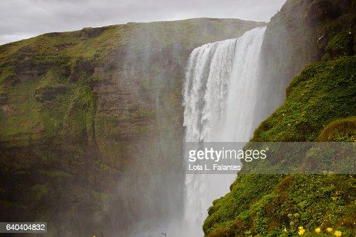 Side view of Skogafoss waterfall : Foto de stock
