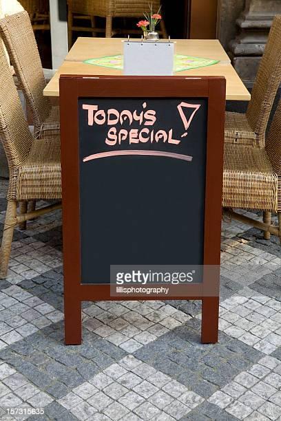 Terrasse de café carte vide pour écrire