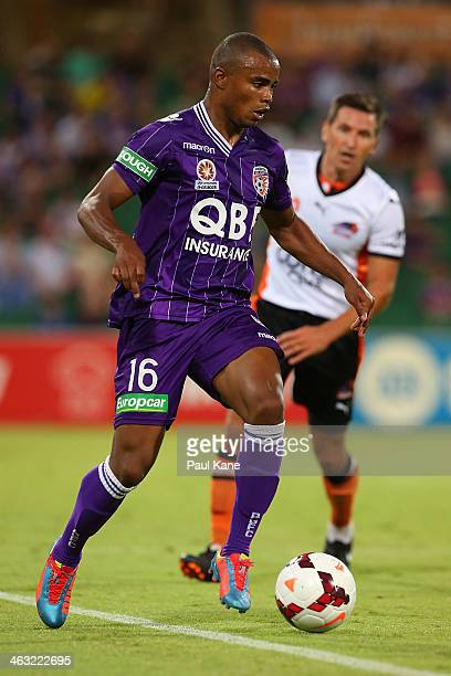 Sidnei Sciola Moraes of the Glory controls the ball during the round 15 ALeague match between Perth Glory and the Brisbane Roar at nib Stadium on...