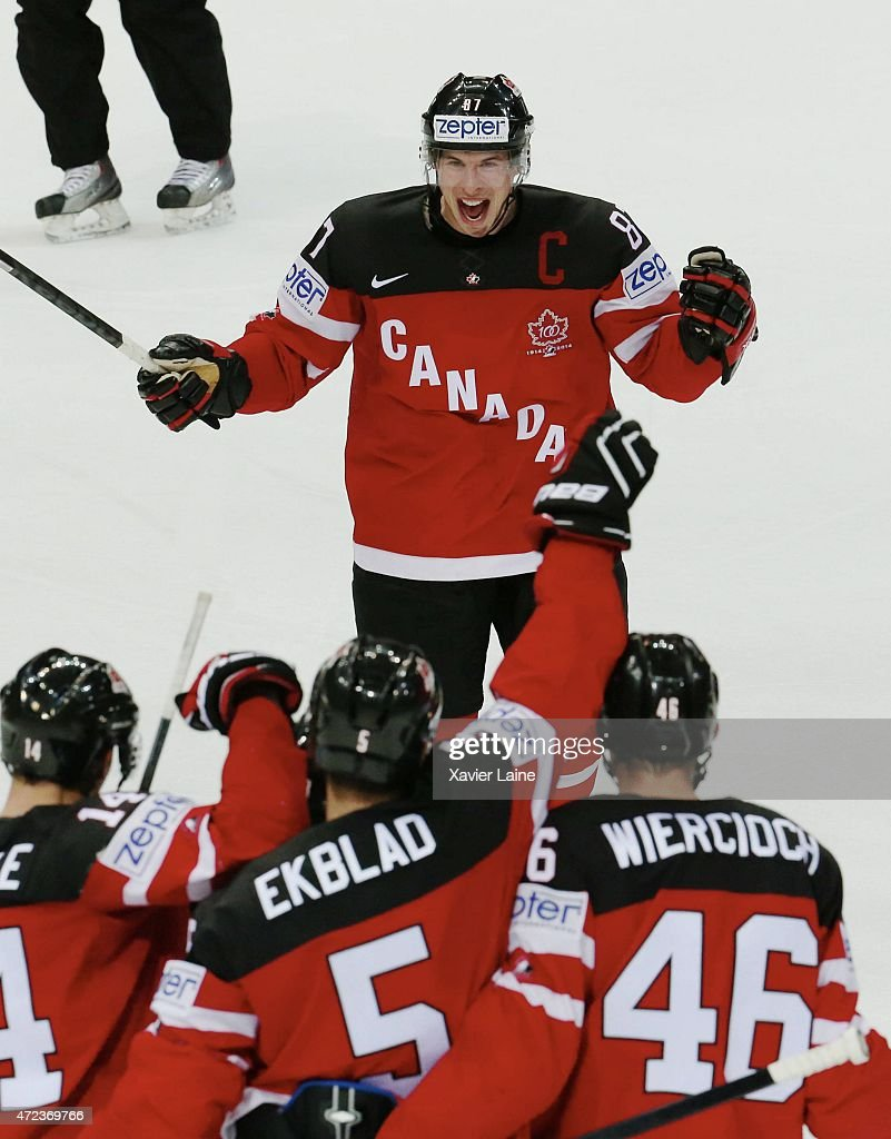 Sidney Crosby of Canada celebrate a goal Patrick Wiercioch with teammattes during the 2015 IIHF World Championship between Sweden and Canada at O2...
