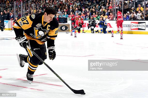 Sidney Crosby of the Pittsburgh Penguins competes in the Gatorade NHL Skills Challenge Relay during the 2017 Coors Light NHL AllStar Skills...