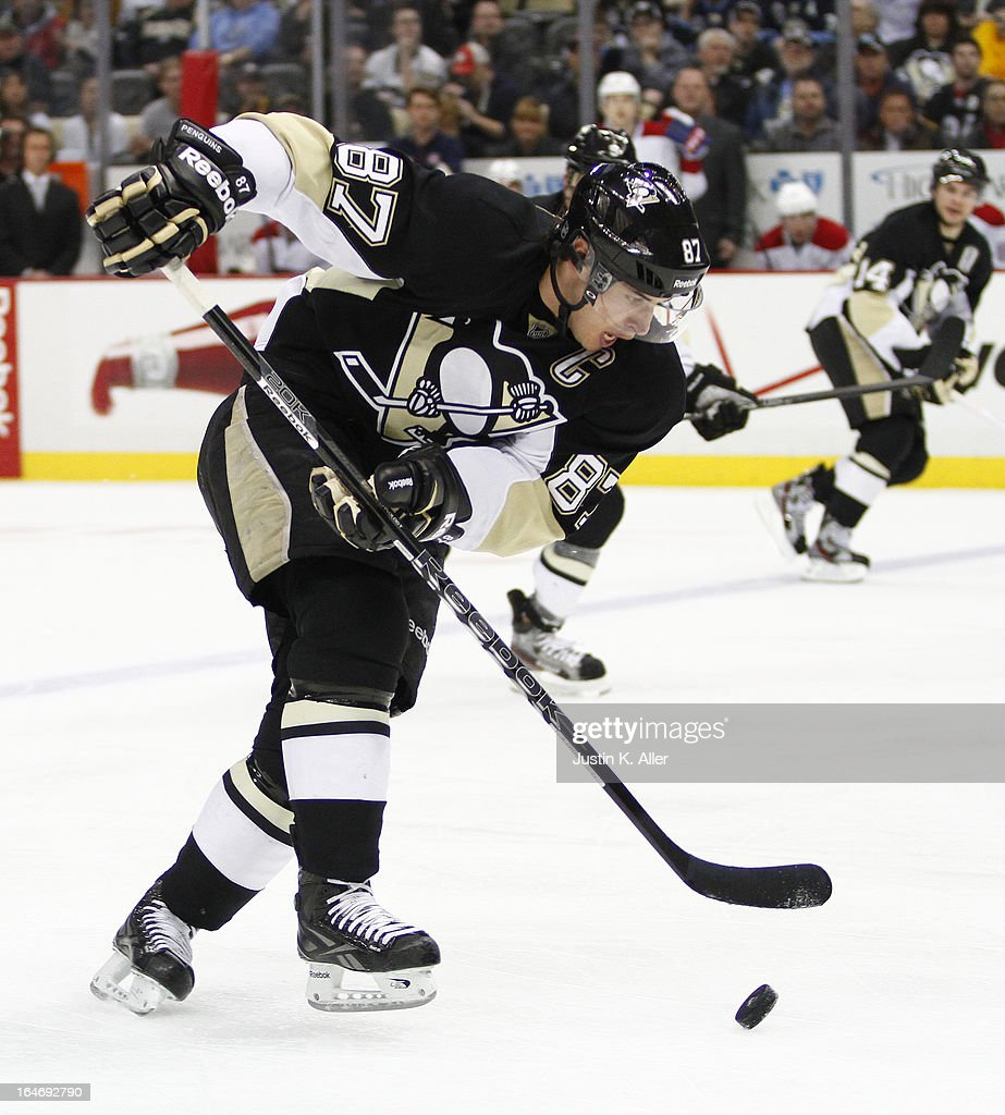 Sidney Crosby #87 of the Pittsburgh Penguins handles the puck Montreal Canadiens during the game at Consol Energy Center on March 26, 2013 in Pittsburgh, Pennsylvania.