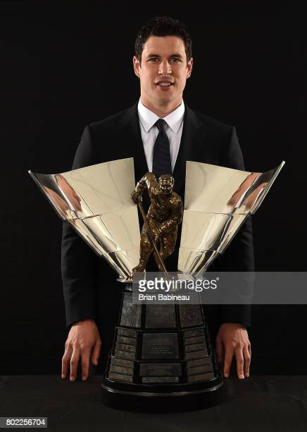 Sidney Crosby of the Pittsburgh Penguins poses for a portrait with The Maurice 'Rocket' Richard Trophy at the 2017 NHL Awards at TMobile Arena on...