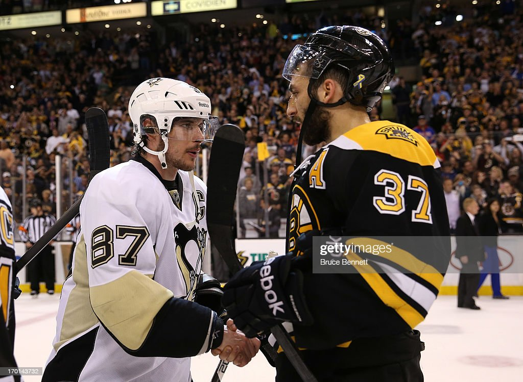 Sidney Crosby #87 of the Pittsburgh Penguins shakes hands with Patrice Bergeron #37 of the Boston Bruins after the Bruins defeated the Penguins 1-0 in Game Four of the Eastern Conference Final during the 2013 NHL Stanley Cup Playoffs at the TD Garden on June 7, 2013 in Boston, United States.