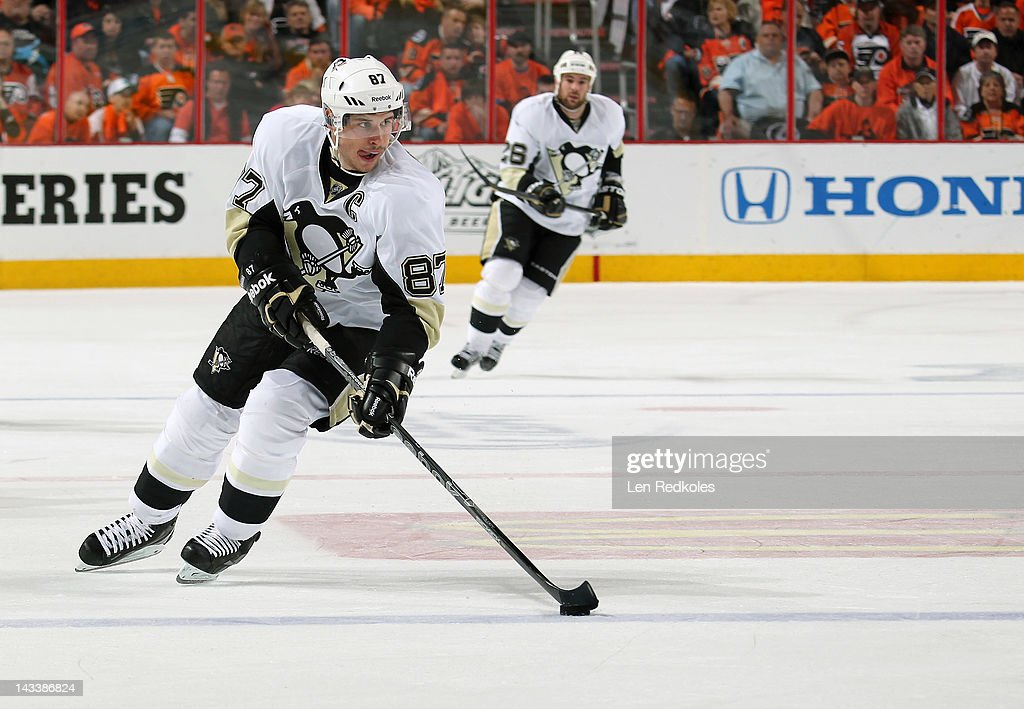 Sidney Crosby #87 of the Pittsburgh Penguins skates the puck against the Philadelphia Flyers in Game Six of the Eastern Conference Quarterfinals during the 2012 NHL Stanley Cup Playoffs on April 22, 2012 at the Wells Fargo Center in Philadelphia, Pennsylvania.