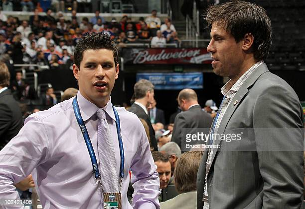 Sidney Crosby of the Pittsburgh Penguins speaks with Shea Weber of the Nashville Predators during the 2010 NHL Entry Draft at Staples Center on June...