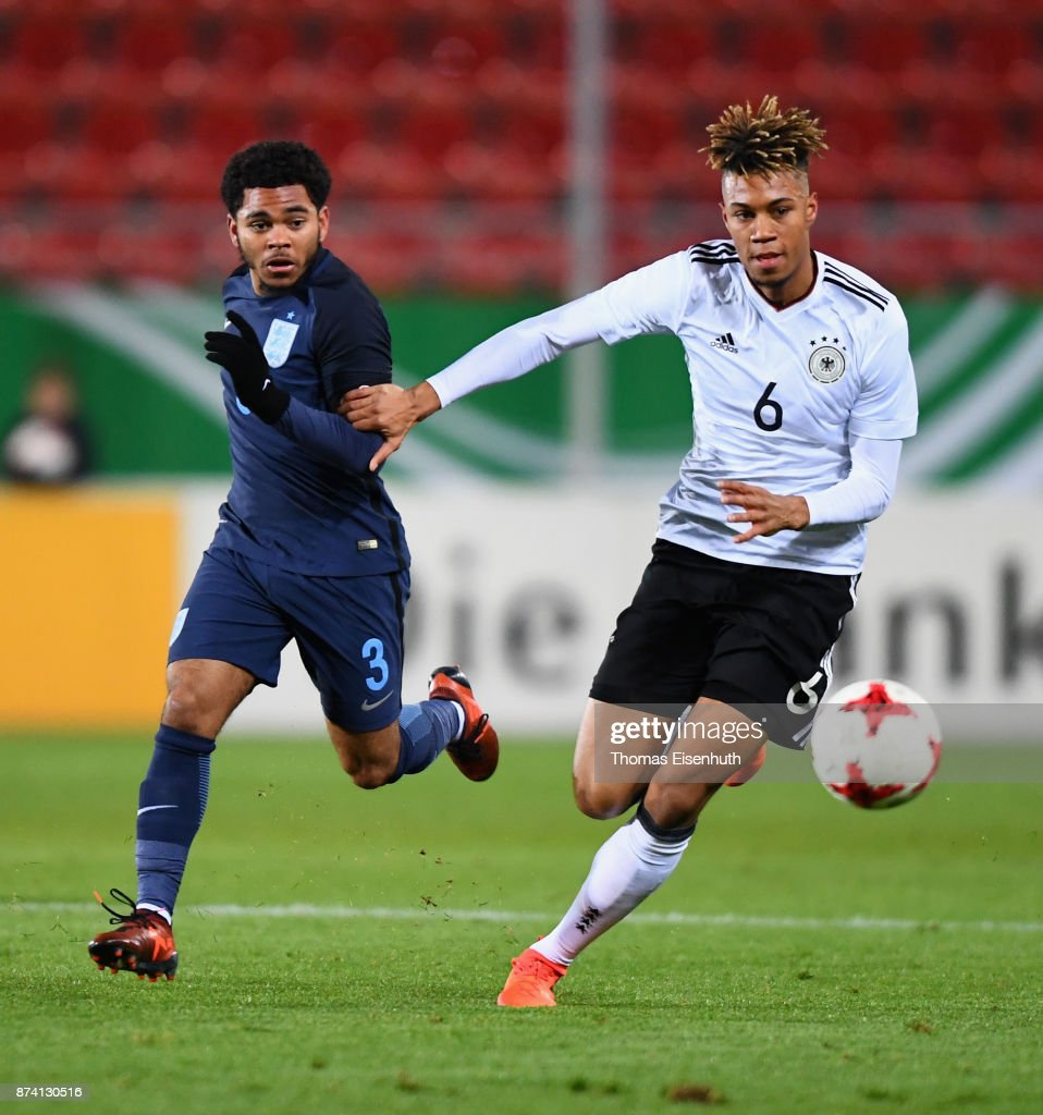 Sidney Friede (R) of Germany and Jay Da Silva of England vie for the ball during the Under 20 International Friendly match between U20 of Germany and U20 of England at Stadion Zwickau on November 14, 2017 in Zwickau, Germany.