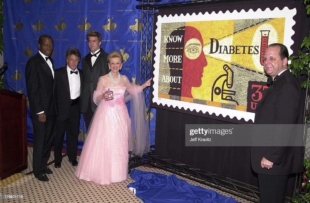 Sidney Poitier, Dustin Hoffman, greg Hall, Barbara Davis & the postmadster general present Stamp at the Carousel Ball in Beverly Hills on 10/28/00. 310 45 6988