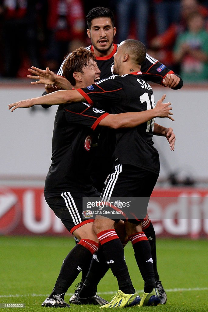 <a gi-track='captionPersonalityLinkClicked' href=/galleries/search?phrase=Sidney+Sam&family=editorial&specificpeople=739660 ng-click='$event.stopPropagation()'>Sidney Sam</a> (R) of Leverkusen celebrates after scoring his team's third goal with team mate Heung Min Son (L) and <a gi-track='captionPersonalityLinkClicked' href=/galleries/search?phrase=Emre+Can&family=editorial&specificpeople=5909273 ng-click='$event.stopPropagation()'>Emre Can</a> (C) during the UEFA Champions League Group A match between Bayer Leverkusen and Shakhtar Donetsk at BayArena on October 23, 2013 in Leverkusen, Germany.