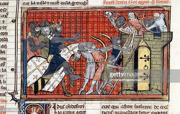 Siege of a town led by Godefroy de Bouillon 1st Crusade showing Saracens firing arrows at Crusaders as they attempt to scale the walls From...
