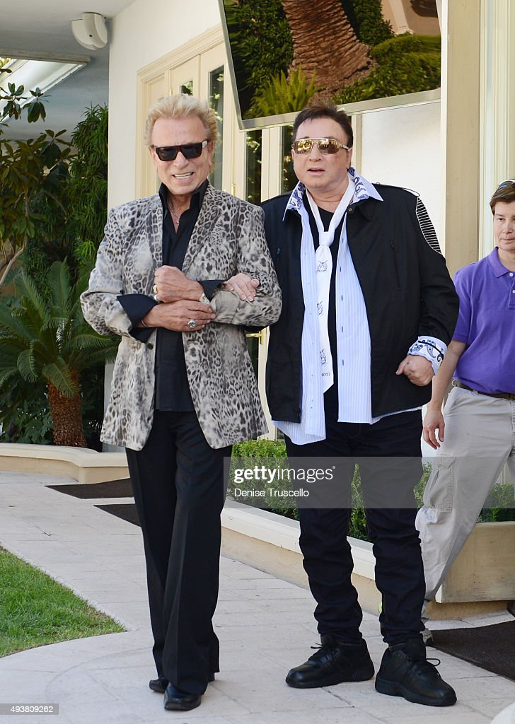 Siegfried & Roy Celebrate SARMOTI Cubs Day With Make-A-Wish Foundation At The Mirage