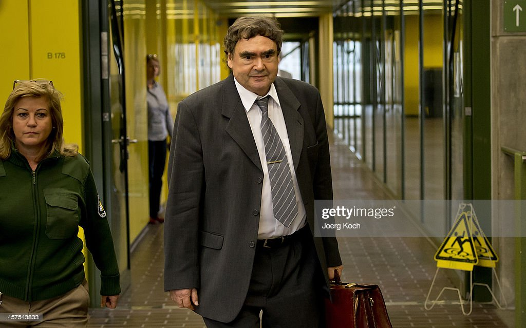 Father Of Uwe Mundlos Testifies In NSU Neo-Nazi Murder ...