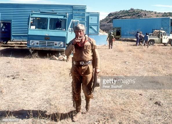 'Siegfried Rauch am Rande der Dreharbeiten zur ARDSerie ''Mein Freund Winnetou'' Folge 1 ''Blut und Sand'' am in Durango Mexiko '