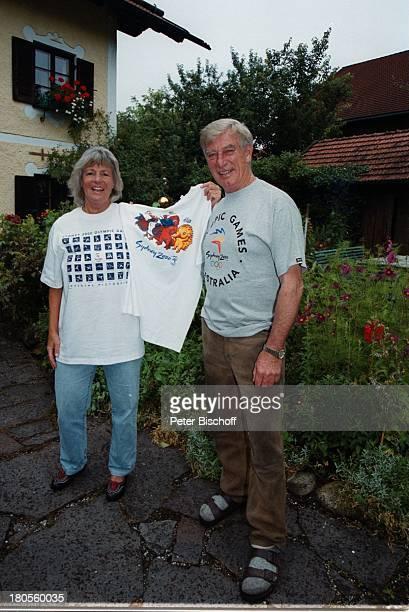Siegfried Rauch Ehefrau Karin RauchVorfreude auf SydneyDreharbeiten zurZDFSerie 'Traumschiff' Folge 37 'Sydney' Australien 'Olympia'Special...