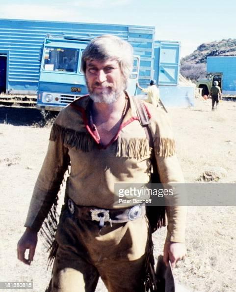 Siegfried Rauch neben den Dreharbeiten zur ARDSerie 'Mein Freund Winnetou' vom französischen Fernsehen 'Antenne 2' Durango Mexiko Mittelamerika...