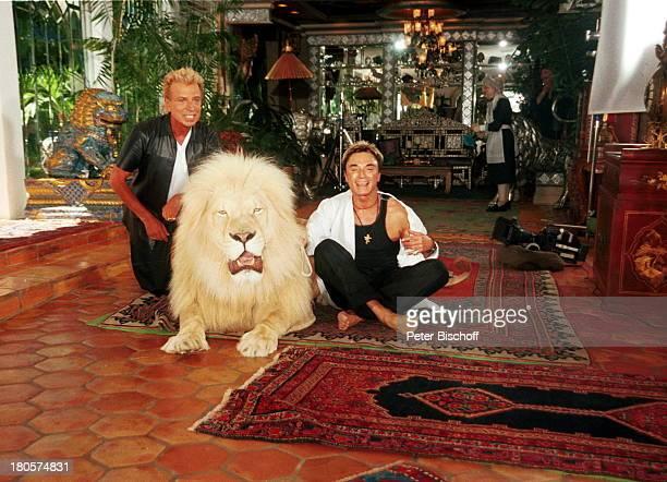 Siegfried Roy weißer Löwe Homestory 'DschungelPalast' Las Vegas/Nevada/USA Palmen Homestory Innenraum Wohnzimmer