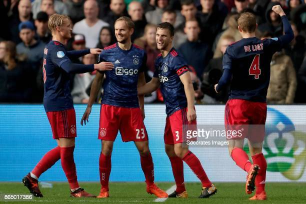 Siem de Jong of Ajax celebrates the 14 with Kasper Dolberg of Ajax Joel Veltman of Ajax Matthijs de Ligt of Ajax during the Dutch Eredivisie match...