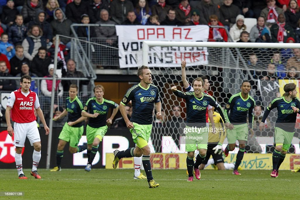 Siem de Jong of Ajax (C) during the Dutch Eredivisie match between AZ Alkmaar and Ajax Amsterdam at the AFAS Stadium on march 17, 2013 in Alkmaar, The Netherlands