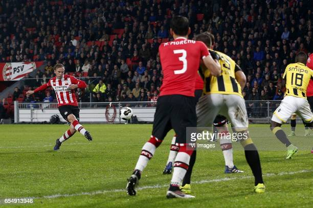 Siem de Jong of PSV during the Dutch Eredivisie match between PSV Eindhoven and Vitesse Arnhem at the Phillips stadium on March 18 2017 in Eindhoven...