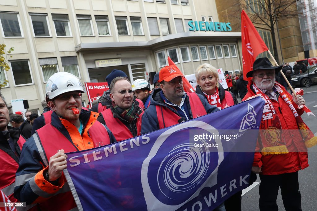 Siemens Workers Protest Pending Layoffs